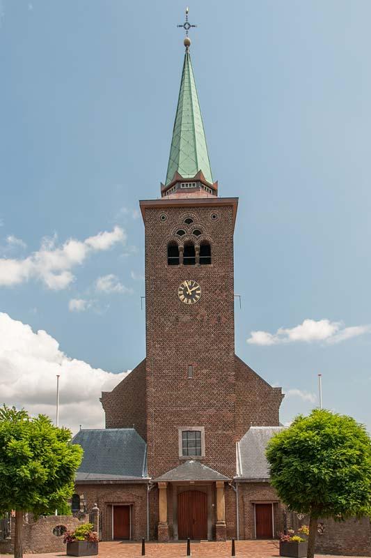 H-Clemenskerk Vooraanzicht