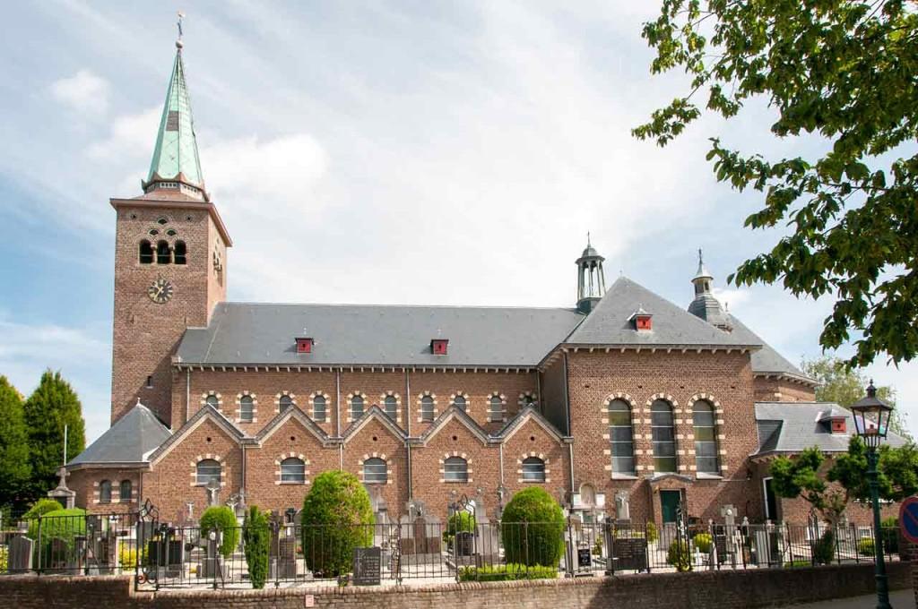 H-Clemenskerk Zijaanzicht